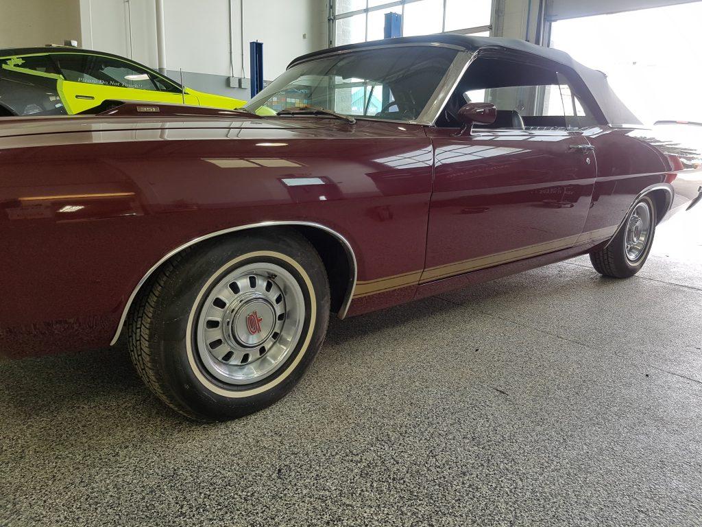 Ford Torino stripe graphics