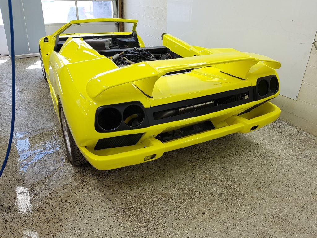 Custom Lambo Kit Car Wrap Elements